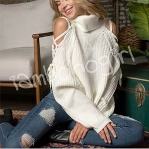 Sweaters - IVORY SWEATER